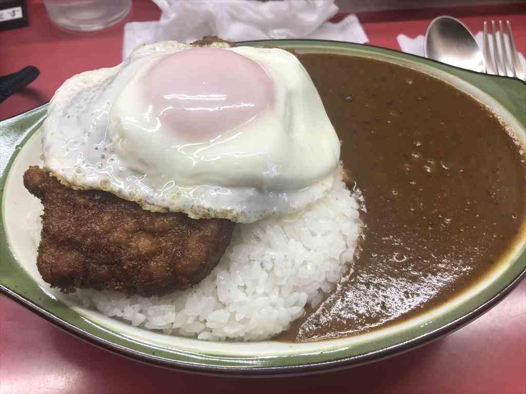 藤沢カレーショップ シュクリア 目玉焼きトッピング